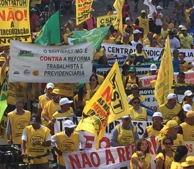 FENATIBREF E SINDICATOS FILIADOS OCUPAM BRASÍLIA CONTRA AS REFORMAS DA PREVIDÊNCIA E TRABALHISTA